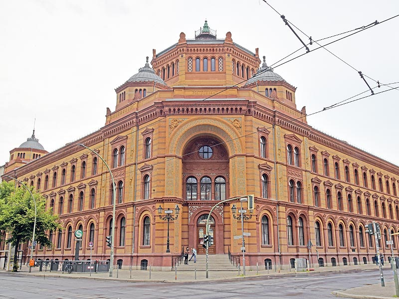 Postfuhramt Front, Oranienburger Strasse